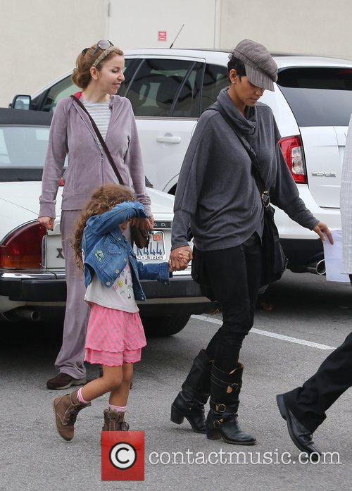 halle berry seen with her daughter nahla 5962351