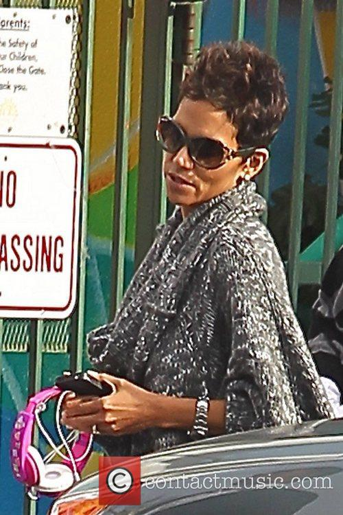 halle berry seen leaving her daughter nahlas 5958427