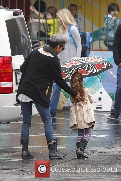 halle berry brings her daughter nahla aubry 5960357