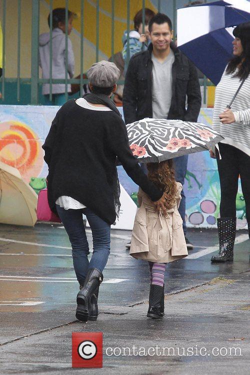 Brings her daughter Nahla Aubry to school