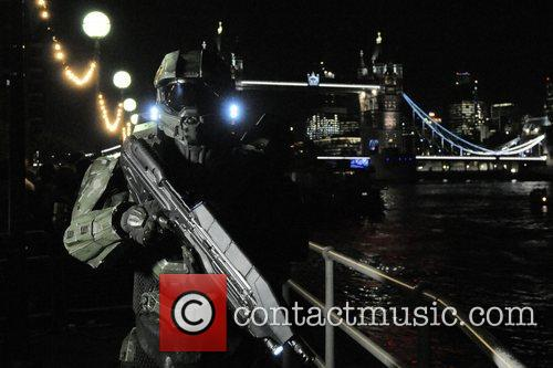Atmosphere, Tower Bridge X Box, London, Halo, Fans, London. The and England 10