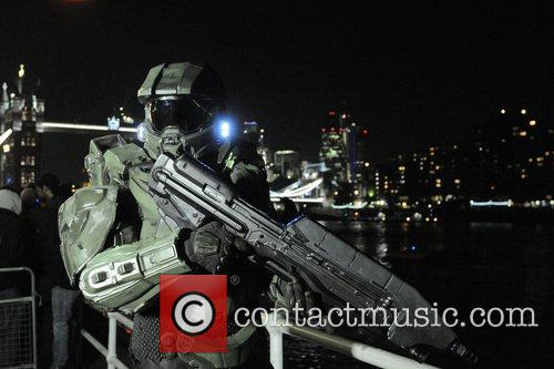 Atmosphere, Tower Bridge X Box, London, Halo, Fans, London. The and England 11
