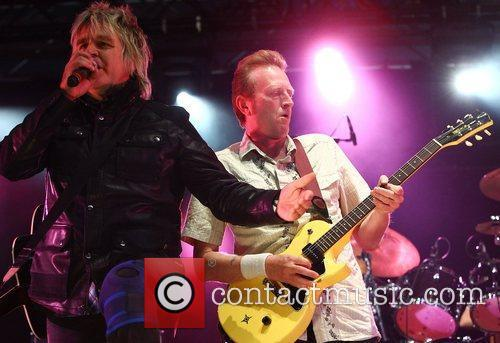 Mike Peters, Big Country and Hard Rock Calling 3