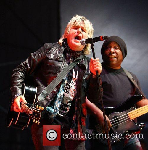 Mike Peters, Big Country and Hard Rock Calling 4