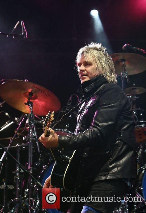 Mike Peters, Big Country and Hard Rock Calling 9