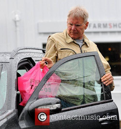 harrison ford shopping at the brentwood country 5824688