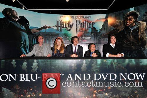 Warwick Davis, Jessie Cave, Mark Williams and Oliver Phelps 4