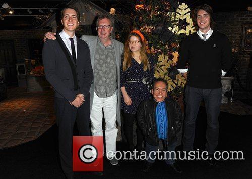 Warwick Davis, Jessie Cave, Mark Williams and Oliver Phelps 1
