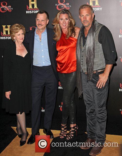 Bill Paxton, Christine Baumgartner and Kevin Costner 4