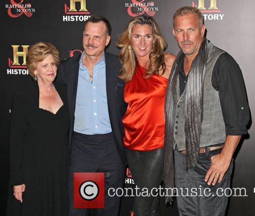 Bill Paxton, Christine Baumgartner and Kevin Costner 2