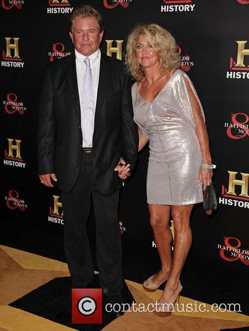 tom berenger and wife history hosts a 4094527