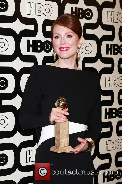 julianne moore 2013 hbos golden globes party 20061120