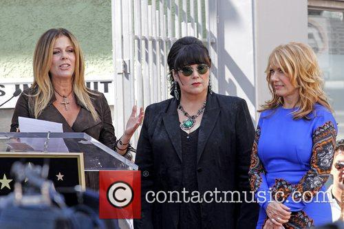 Rita Wilson, Ann Wilson and Nancy Wilson 9