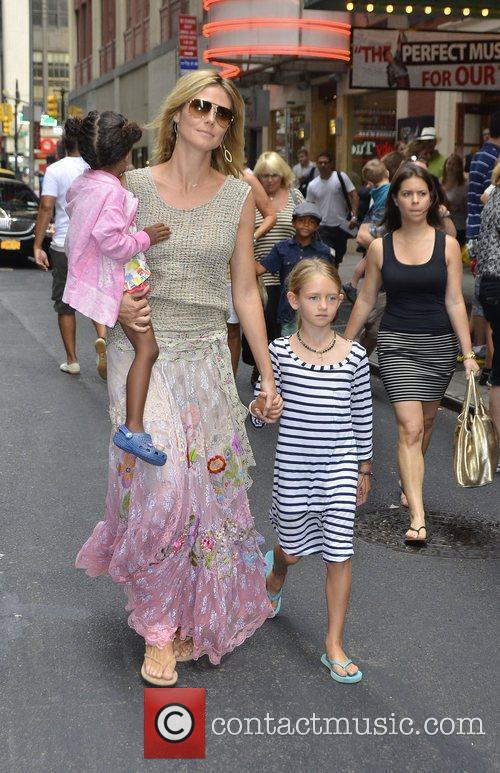 Heidi Klum and her daughters Lou Sulola and...