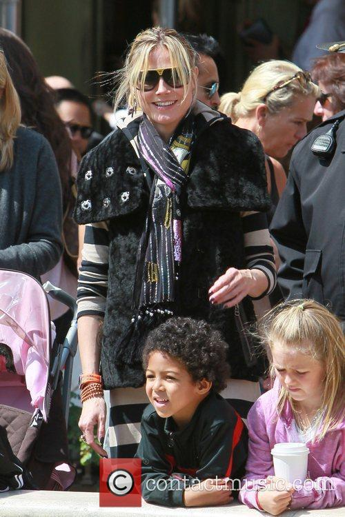 heidi klum and her family spend the 3797195