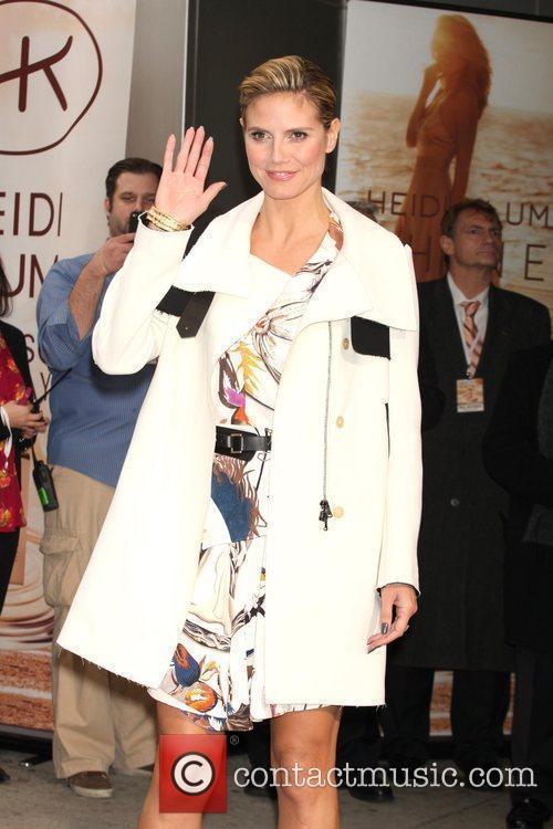 Heidi Klum and Times Square 12