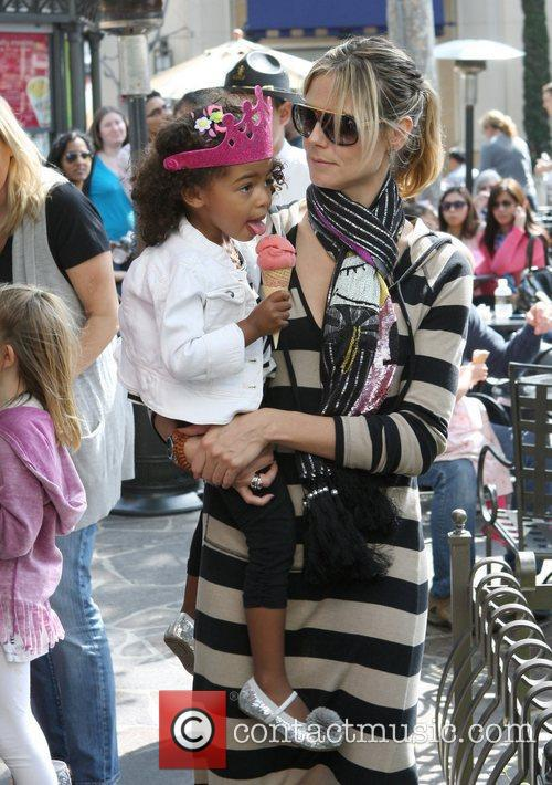 heidi klum and her family spend the 3797222