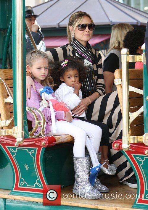 heidi klum and her family spend the 3797242