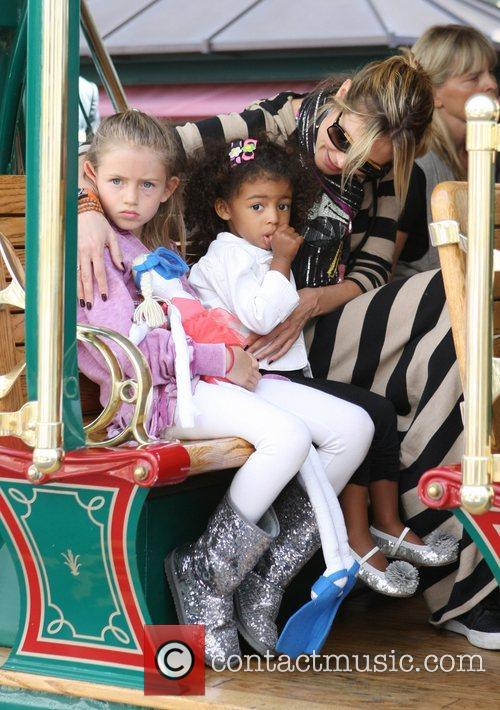 heidi klum and her family spend the 3797253