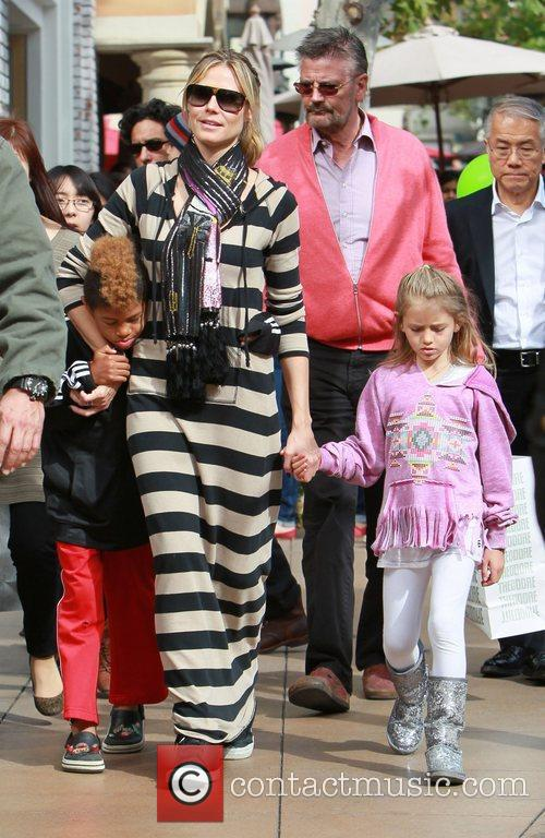 heidi klum and her family spend the 3797359