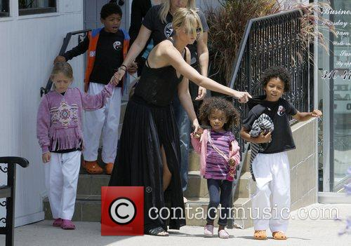 heidi klum and family shopping in brentwood 3922890