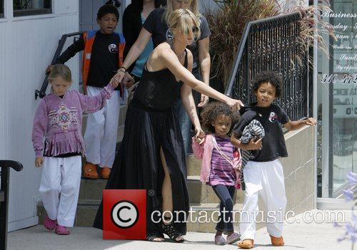 heidi klum and family shopping in brentwood 3922896