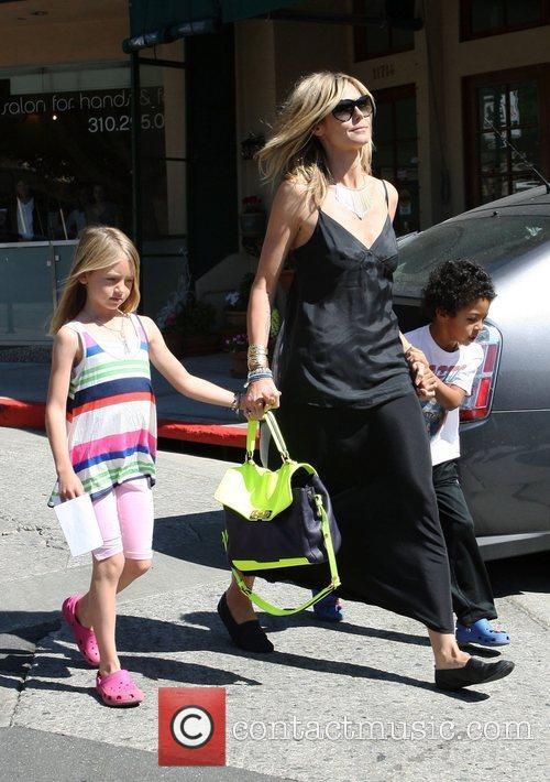Heidi Klum, her daughter Leni Samuel and son...