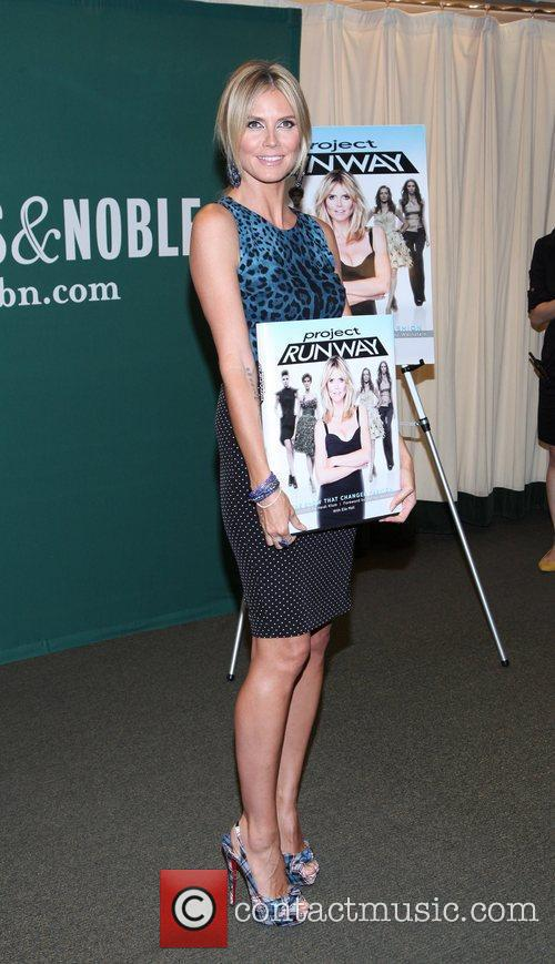 heidi klum promotes her new book project 5878182