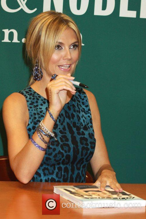 heidi klum promotes her new book project 3989342
