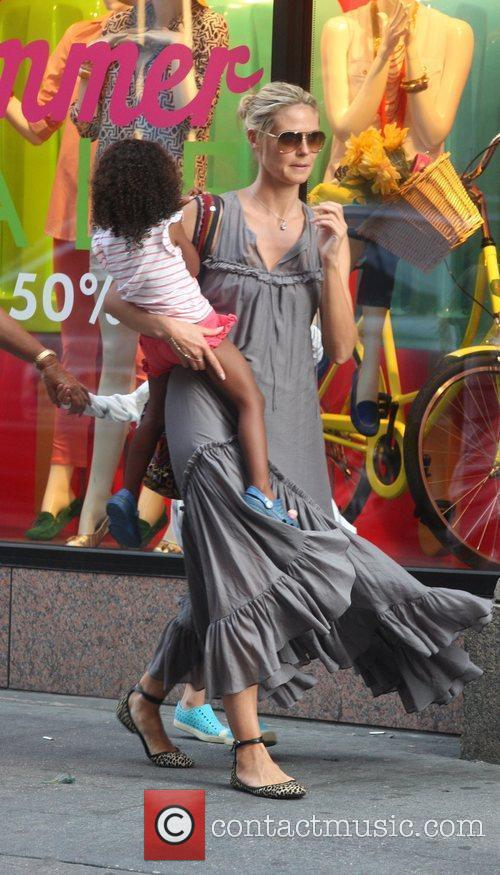 heidi klum seen out and about with 5877952