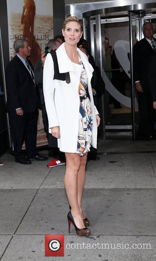 Heidi Klum and Times Square 3