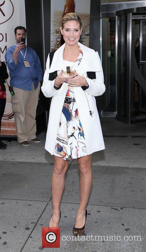 Heidi Klum and Times Square 9