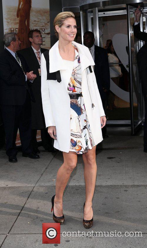 Heidi Klum and Times Square 7