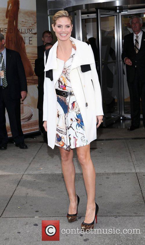 Heidi Klum and Times Square 23