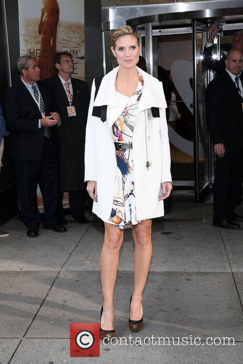 Heidi Klum and Times Square 21