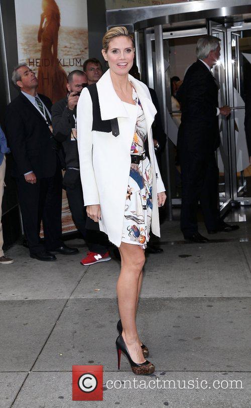 Heidi Klum and Times Square 15