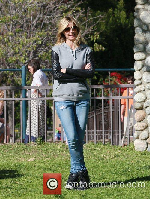 heidi klum on a family day out 3829384
