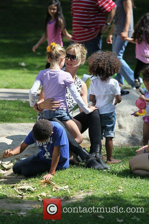 heidi klum and her children enjoy a 3866311