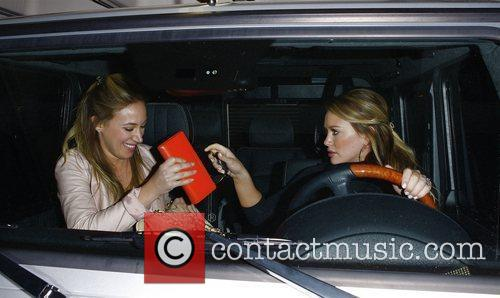 Hilary Duff and Haylie Duff 10