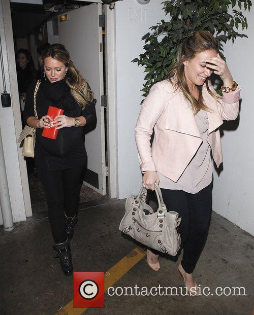 Hilary Duff and Haylie Duff 5