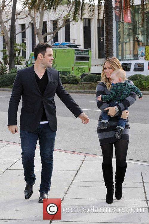Mike Comrie, Hilary Duff and Luca Cruz Comrie 6
