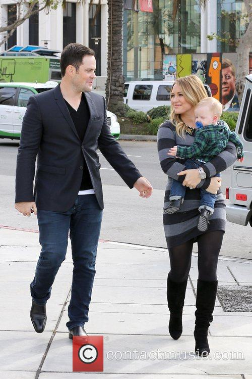 Mike Comrie, Hilary Duff and Luca Cruz Comrie 5