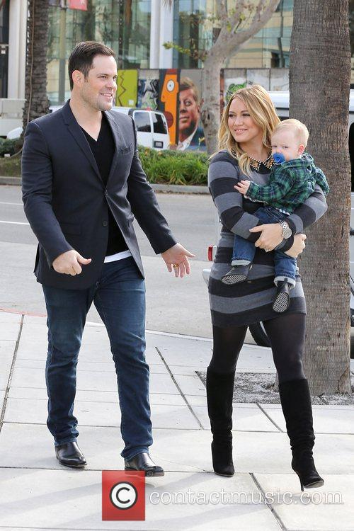 Mike Comrie, Hilary Duff and Luca Cruz Comrie 4