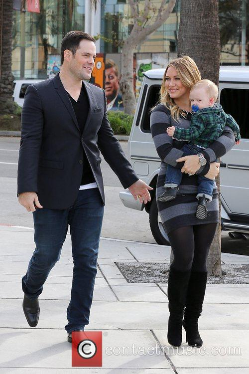 Mike Comrie, Hilary Duff and Luca Cruz Comrie 1