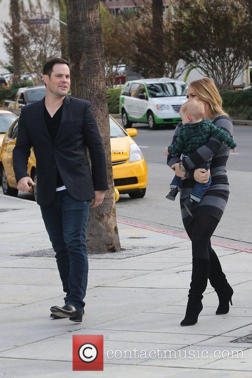 Mike Comrie, Hilary Duff and Luca Cruz Comrie 14