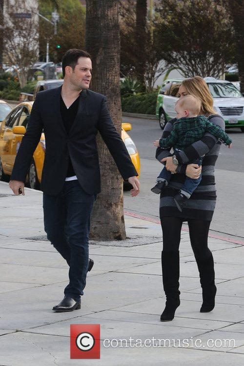 Mike Comrie, Hilary Duff and Luca Cruz Comrie 9
