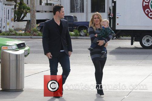 Mike Comrie, Hilary Duff and Luca Cruz Comrie 13