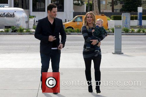 Mike Comrie, Hilary Duff and Luca Cruz Comrie 8