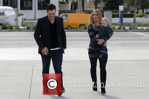Mike Comrie, Hilary Duff and Luca Cruz Comrie 10