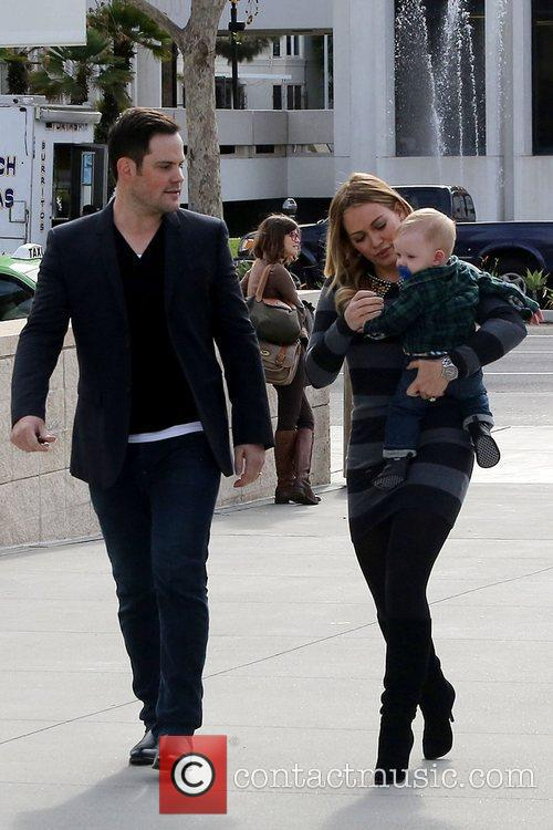 Mike Comrie, Hilary Duff and Luca Cruz Comrie 12